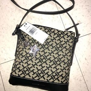 Tommy hilfiger cossbody bag